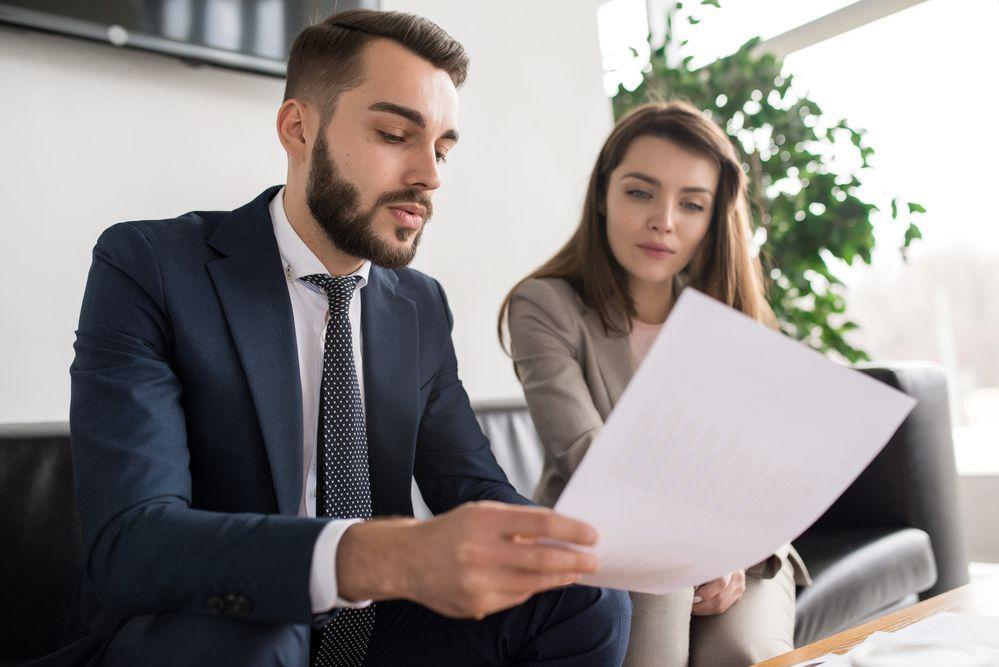 Você sabia que é possível negociar as cláusulas imobiliárias de um contrato? Saiba o que são e como negociar no nosso artigo!