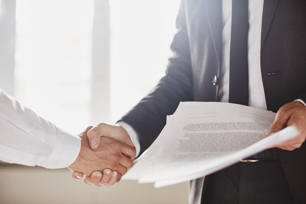 Devo registrar o contrato de aluguel em cartório? Acompanhe este post e descubra a importância desse procedimento!