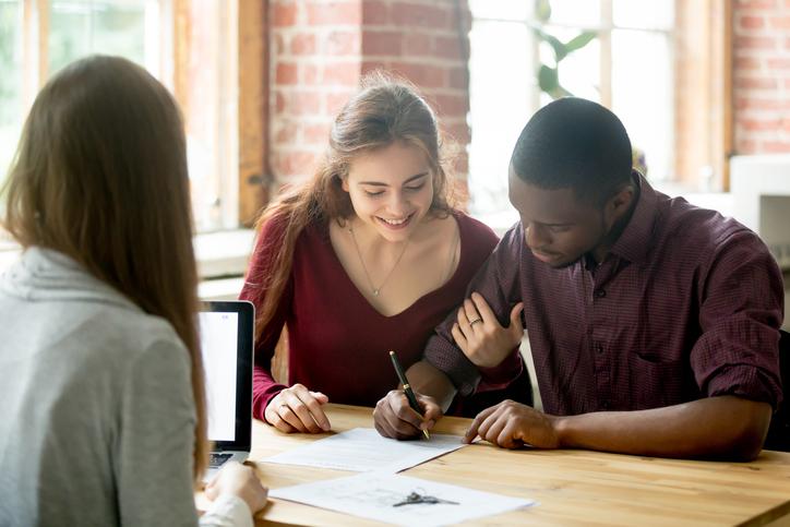 Você sabe quais são as vantagens, as restrições e o que deve ser analisado durante a aquisição de uma multipropriedade? Confira aqui os principais pontos!