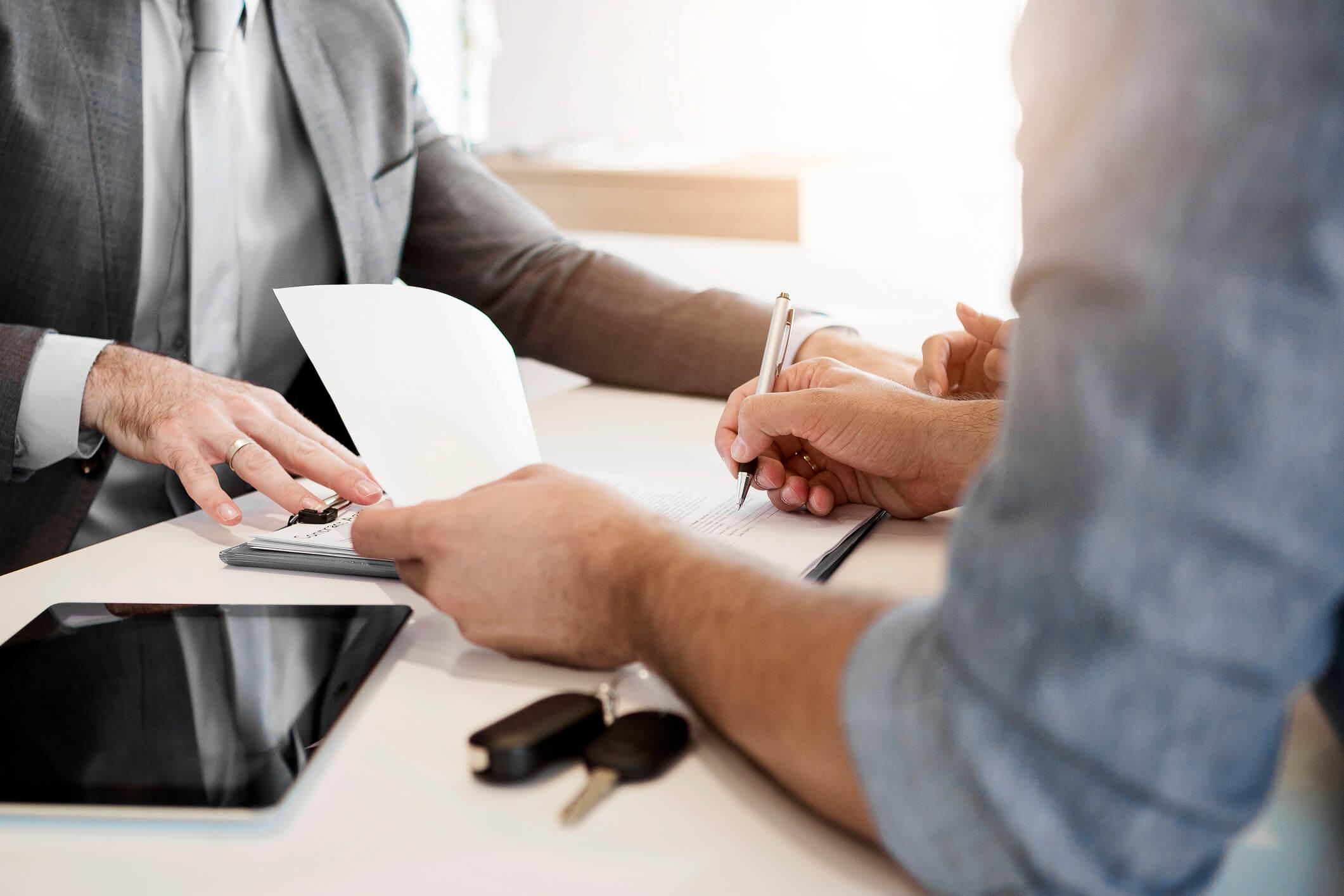 Quer evitar preocupações na compra do tão sonhado imóvel? Entenda melhor o que é, como funciona e quais são os riscos do contrato de imóvel de gaveta.